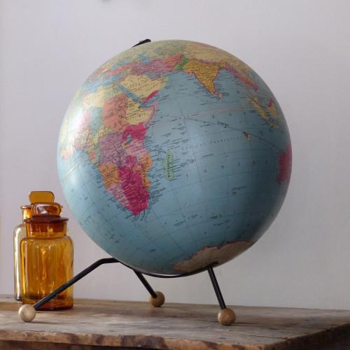 Très grand globe terrestre vintage TARIDE