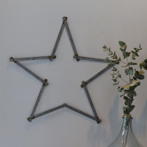 Mètre vintage en métal étoile
