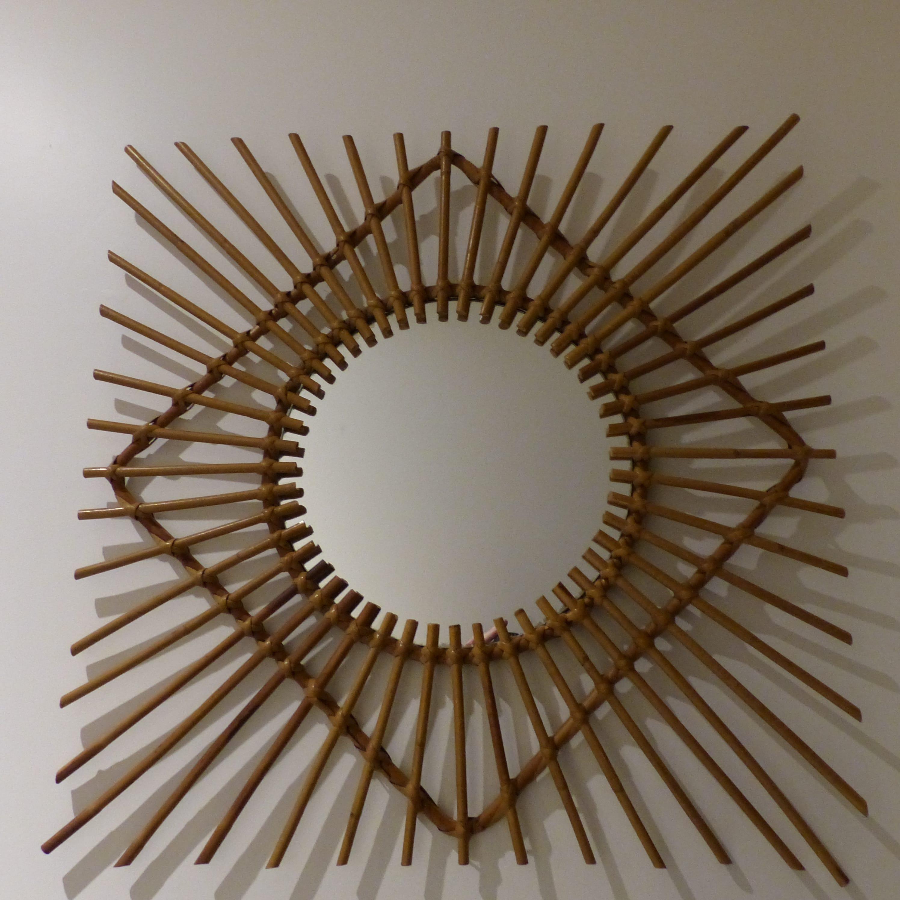 Miroir soleil carr lignedebrocante brocante en ligne for Miroir carre