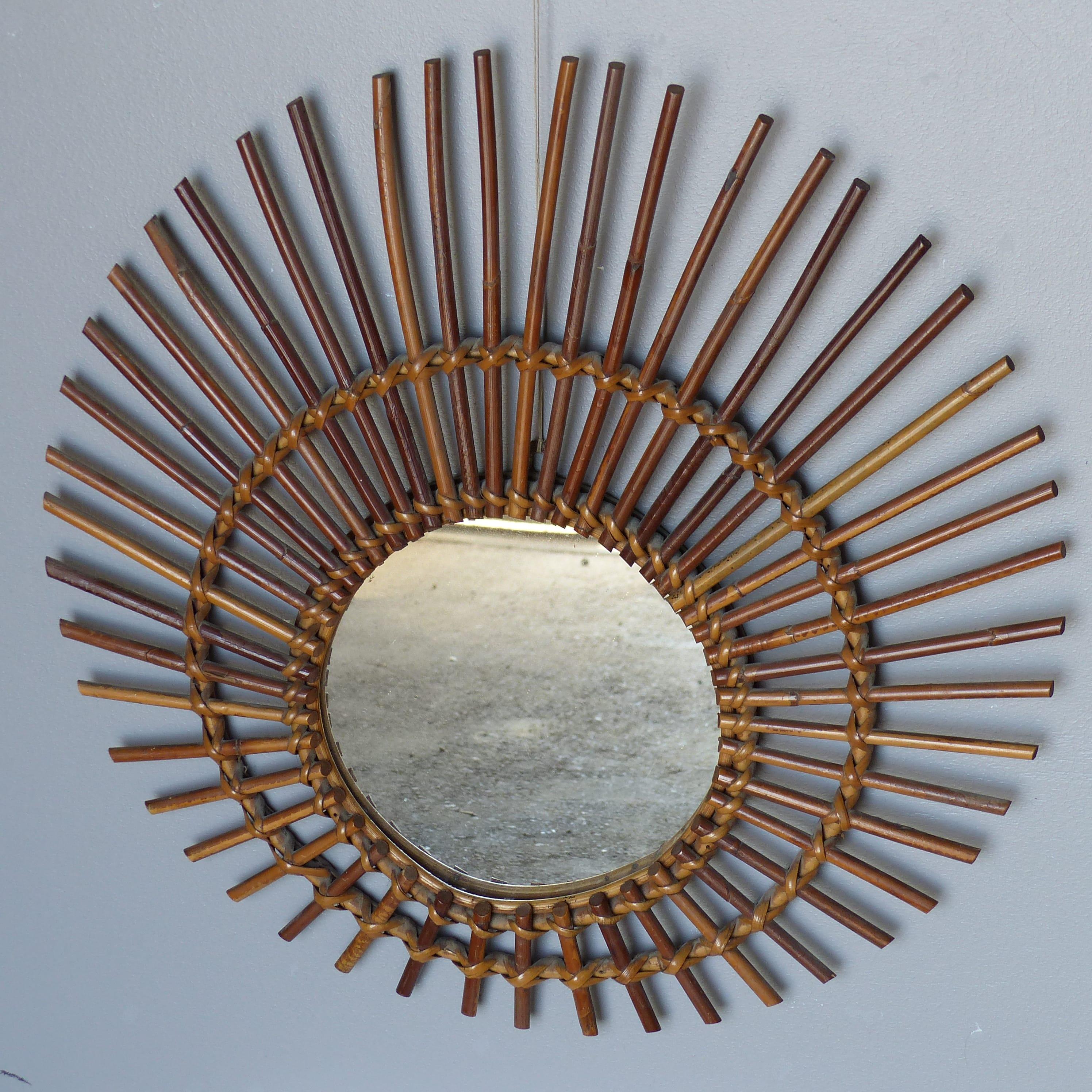 miroir soleil en rotin lignedebrocante brocante en ligne chine pour vous meubles vintage et. Black Bedroom Furniture Sets. Home Design Ideas