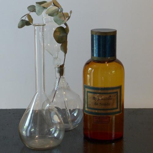 Ancien bocal à pharmacie en verre ambré