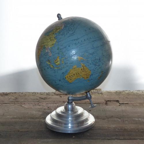 globe terrestre vintage j forest lignedebrocante brocante en ligne chine pour vous meubles. Black Bedroom Furniture Sets. Home Design Ideas
