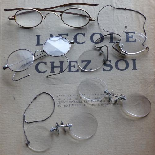 Lot de 5 anciennes paires de lunettes