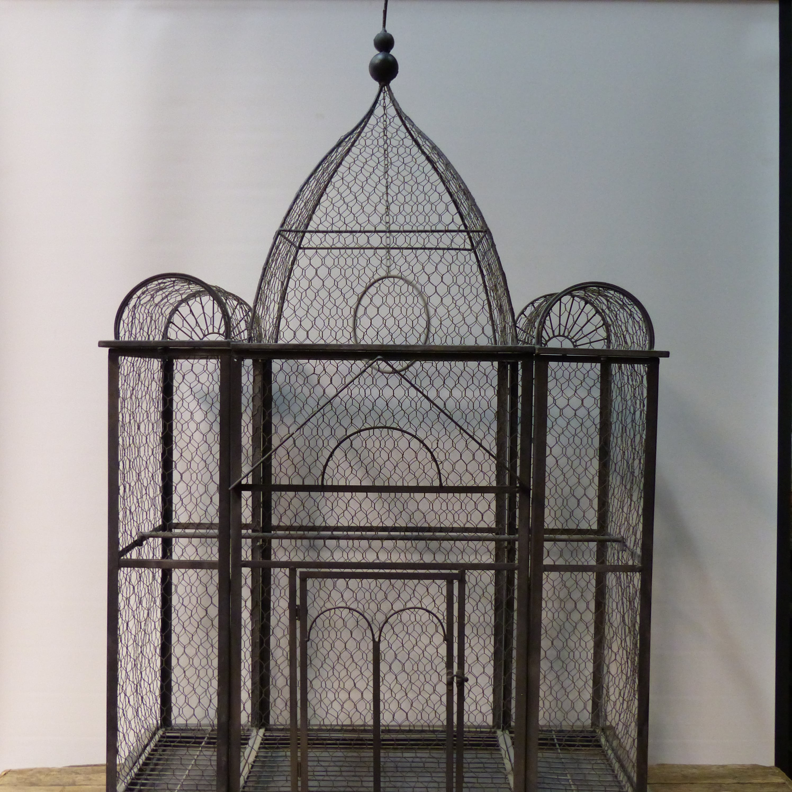 grande cage oiseaux grillag e lignedebrocante brocante en ligne chine pour vous meubles. Black Bedroom Furniture Sets. Home Design Ideas