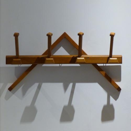 Portemanteau géométrique en bois