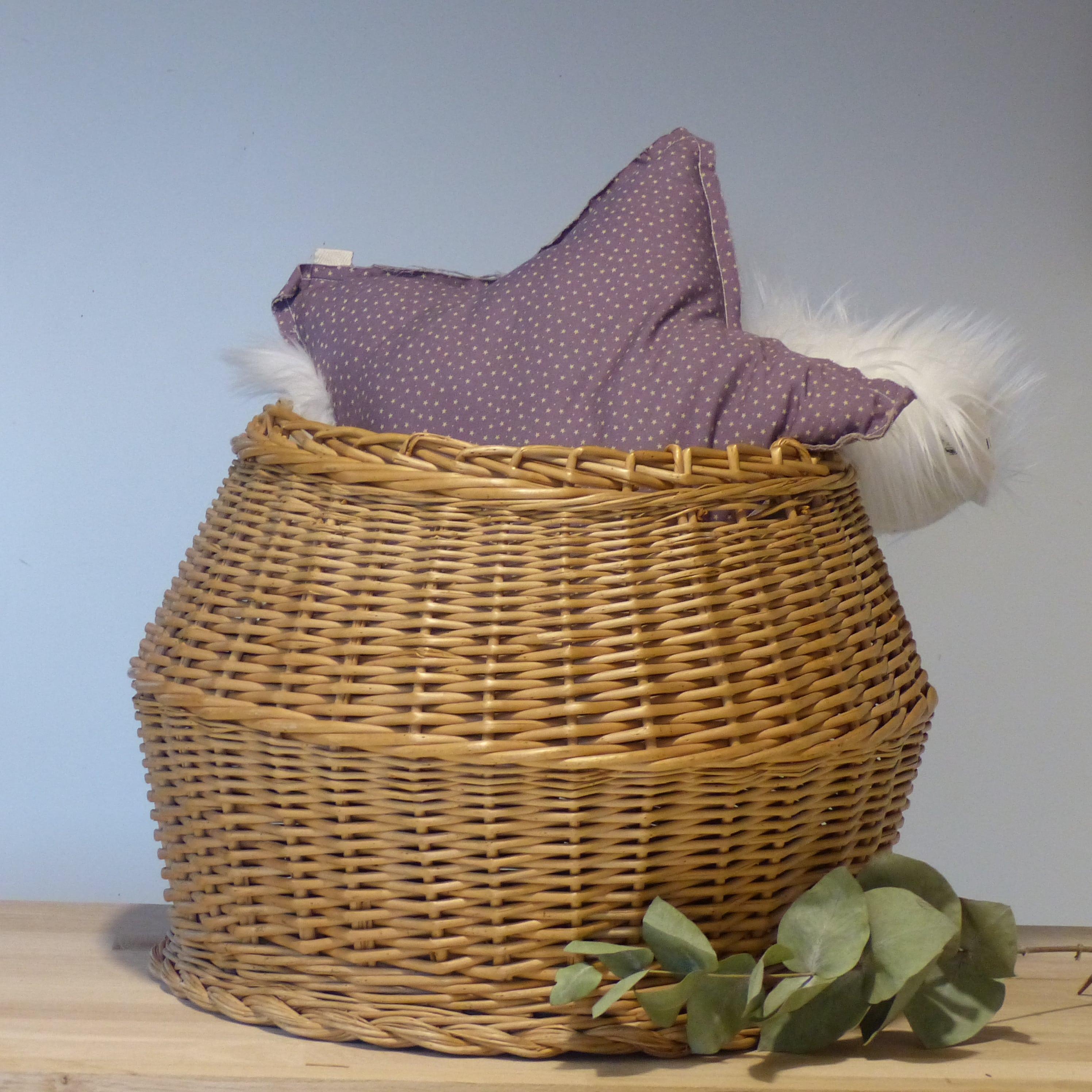 panier boule en osier lignedebrocante brocante en ligne chine pour vous meubles vintage et. Black Bedroom Furniture Sets. Home Design Ideas