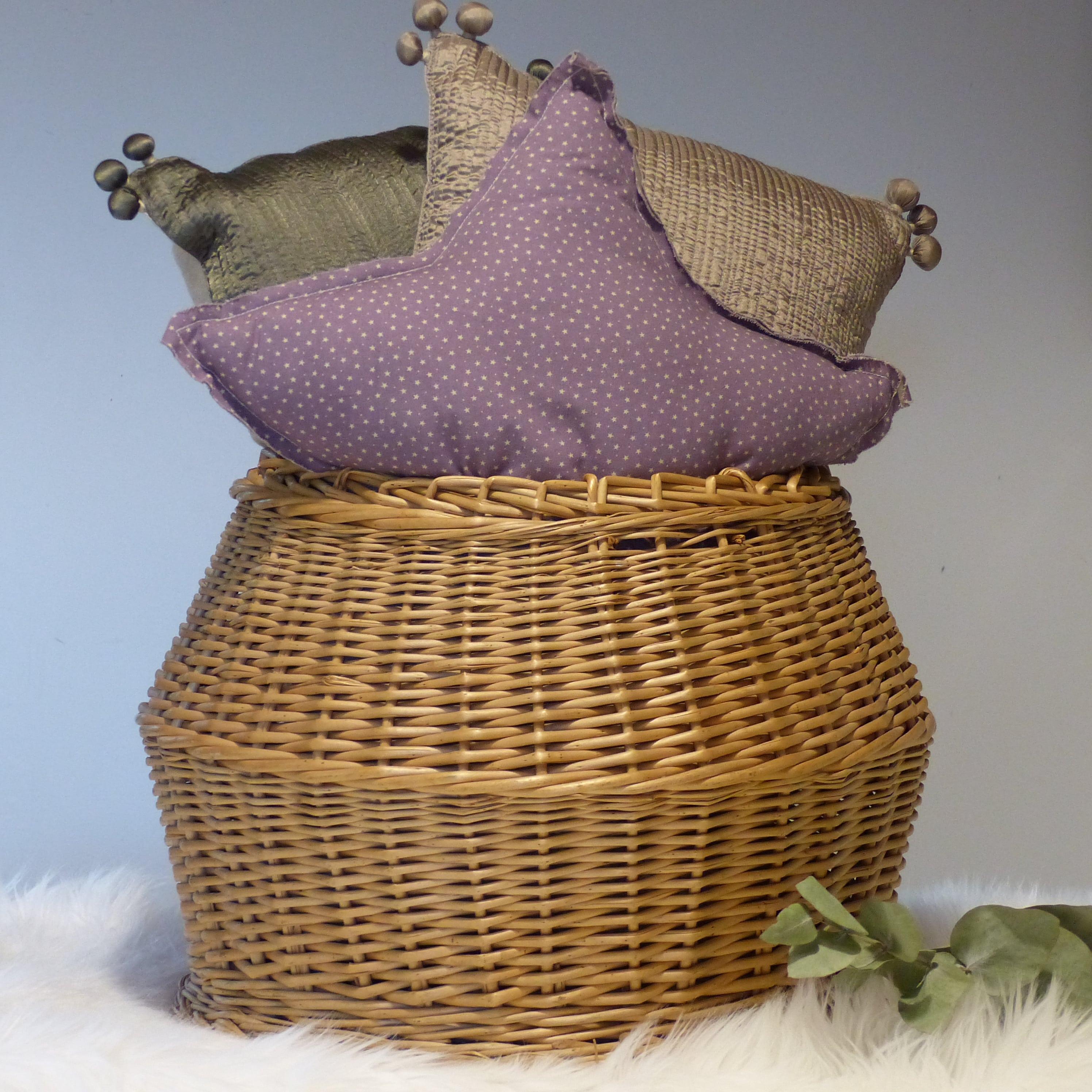 Panier boule en osier lignedebrocante brocante en ligne - Decorer un panier en osier ...