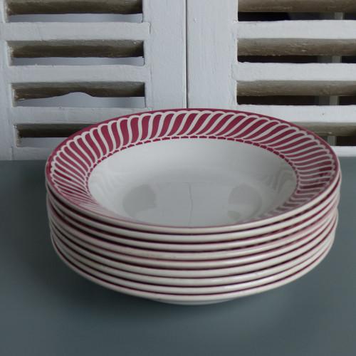 Série de 9 assiettes creuses DIGOIN Sarreguemines - modèle Jacquot rouge