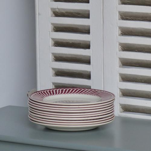 Belle série de 10 assiettes plates DIGOIN Sarreguemines - modèle Jacquot rouge