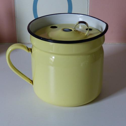 Bouilloire à lait en tôle émaillée jaune