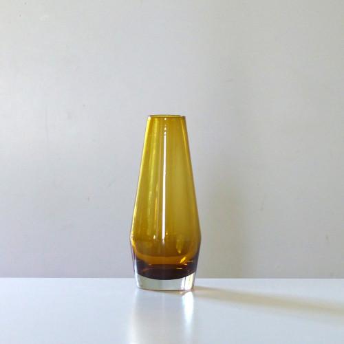 Vase scandinave ambré