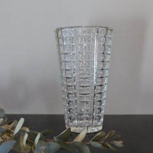 Vase en verre ciselé modèle art déco