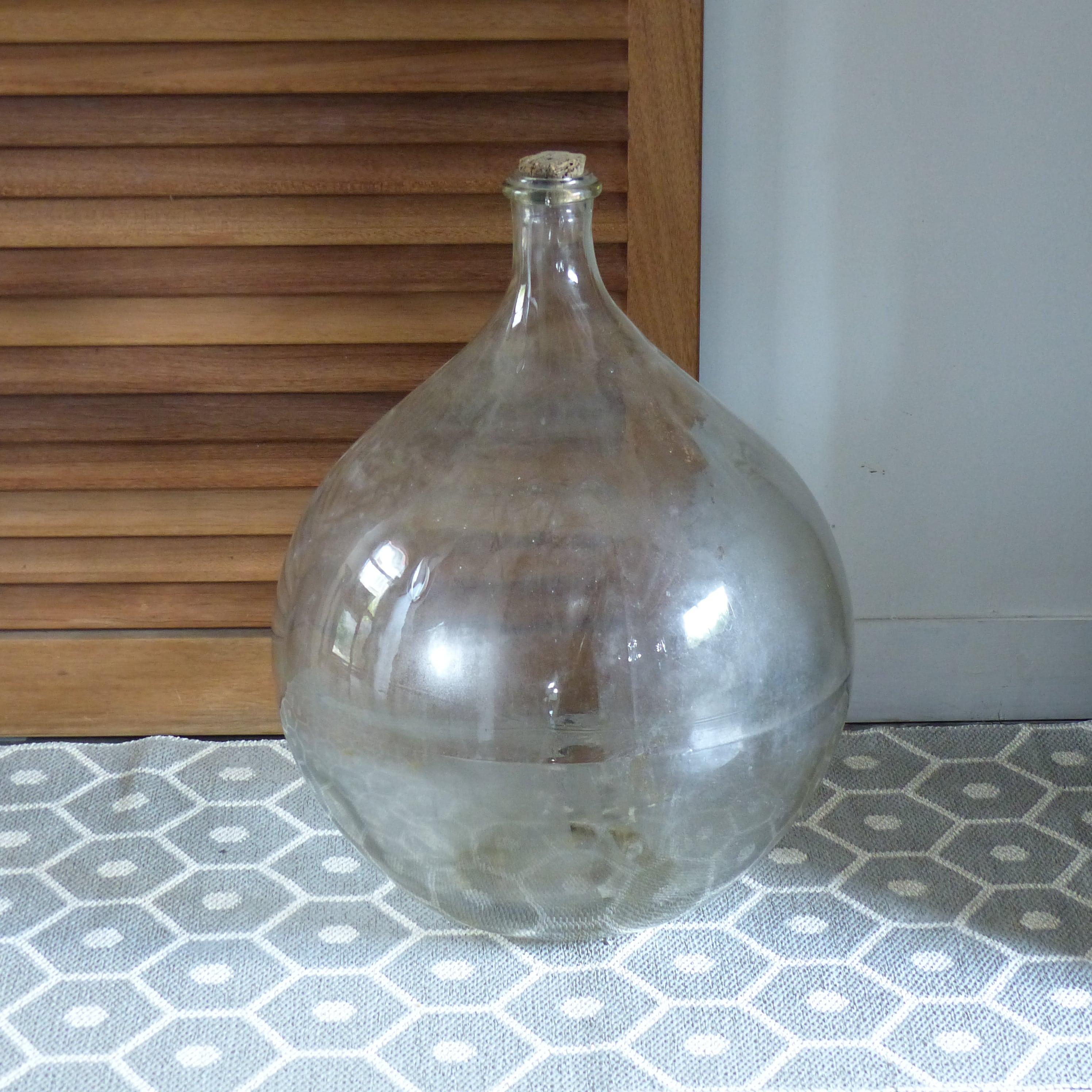 grande dame jeanne en verre transparent lignedebrocante brocante en ligne chine pour vous. Black Bedroom Furniture Sets. Home Design Ideas