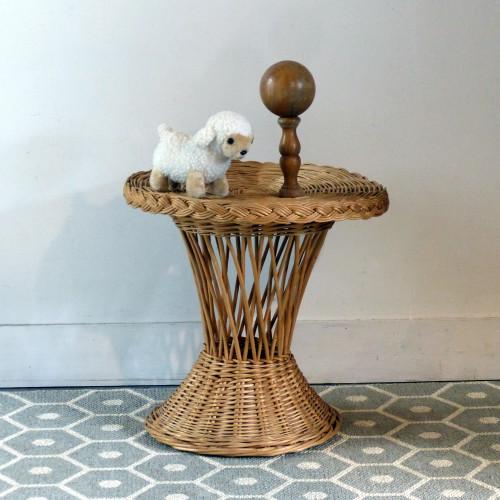 Petite table en osier pour enfant