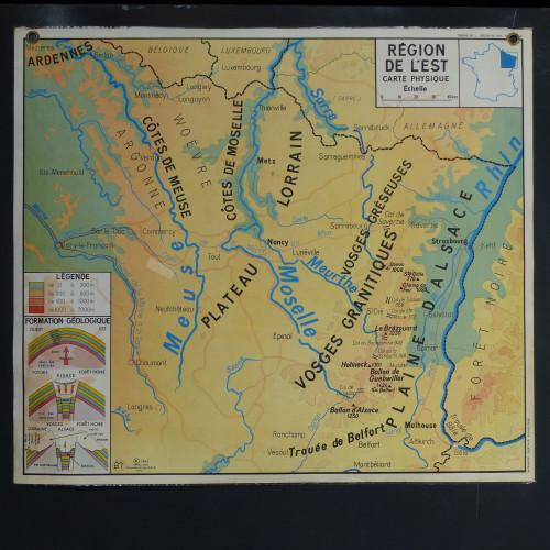 Ancienne carte d'école recto - verso plastifiée à œillets (Nord et Est)