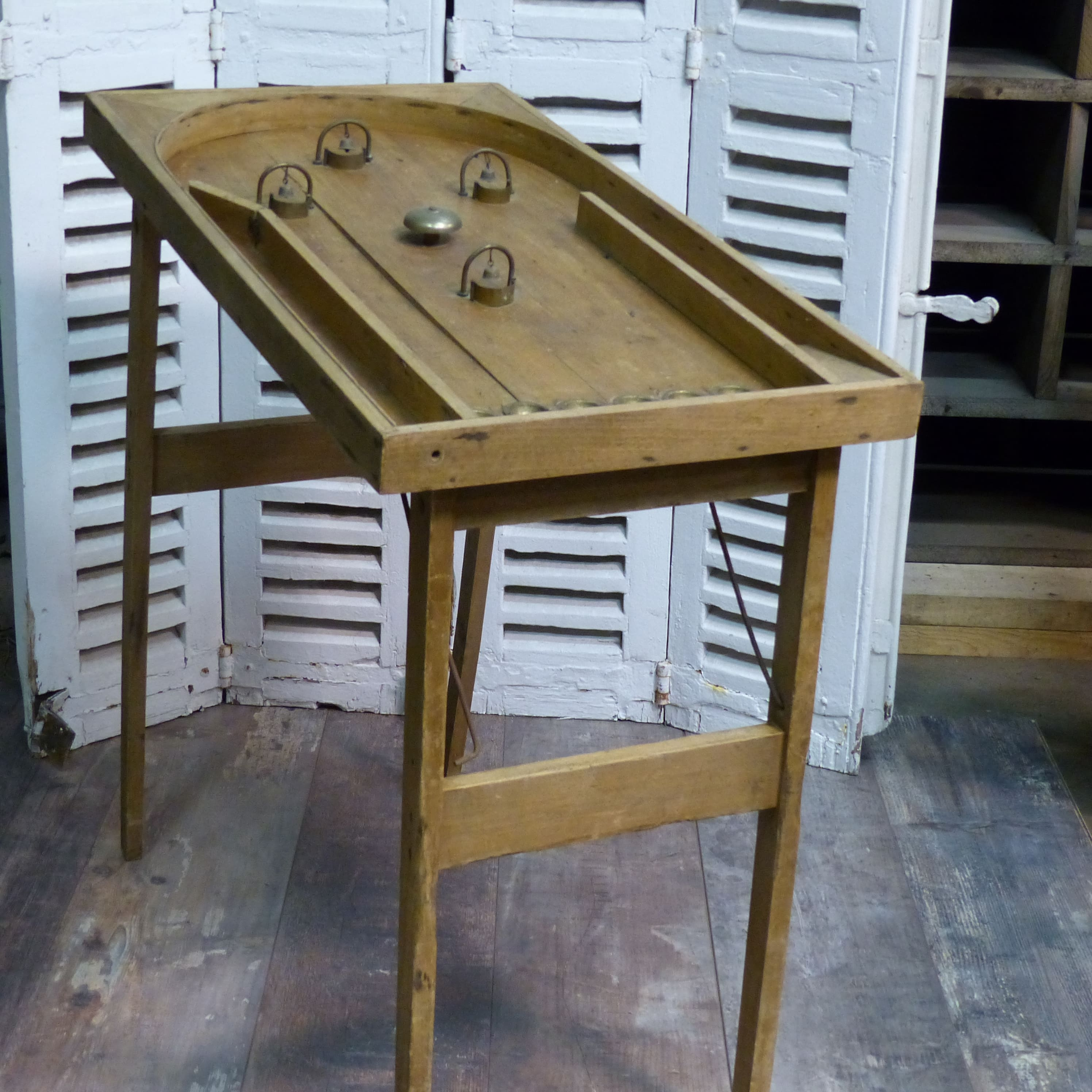 jeu ancien de bagatelle en bois flipper pour enfant lignedebrocante brocante en ligne chine. Black Bedroom Furniture Sets. Home Design Ideas