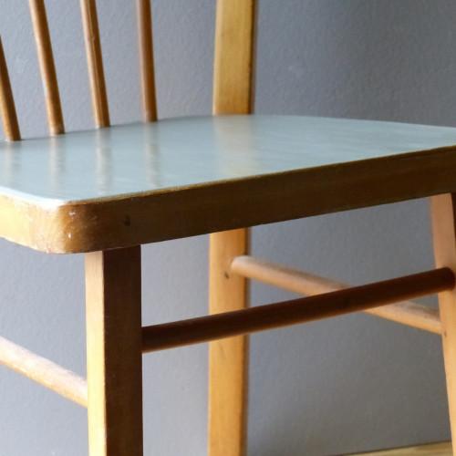 Petite chaise bistrot pour enfant avec assise grise