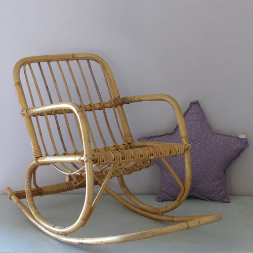 Rocking-chair en rotin pour enfant