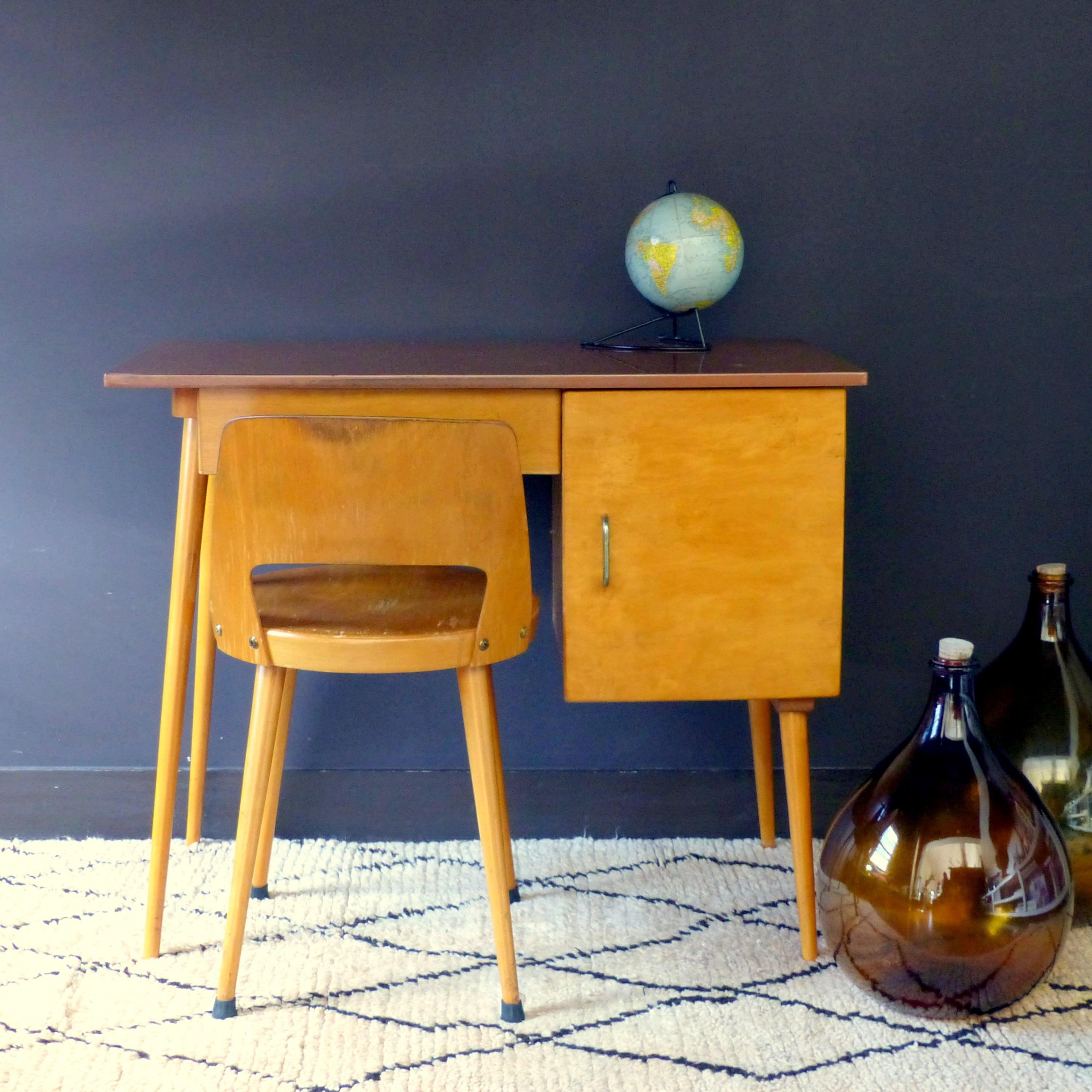 bureau et chaise baumann pour enfant lignedebrocante. Black Bedroom Furniture Sets. Home Design Ideas