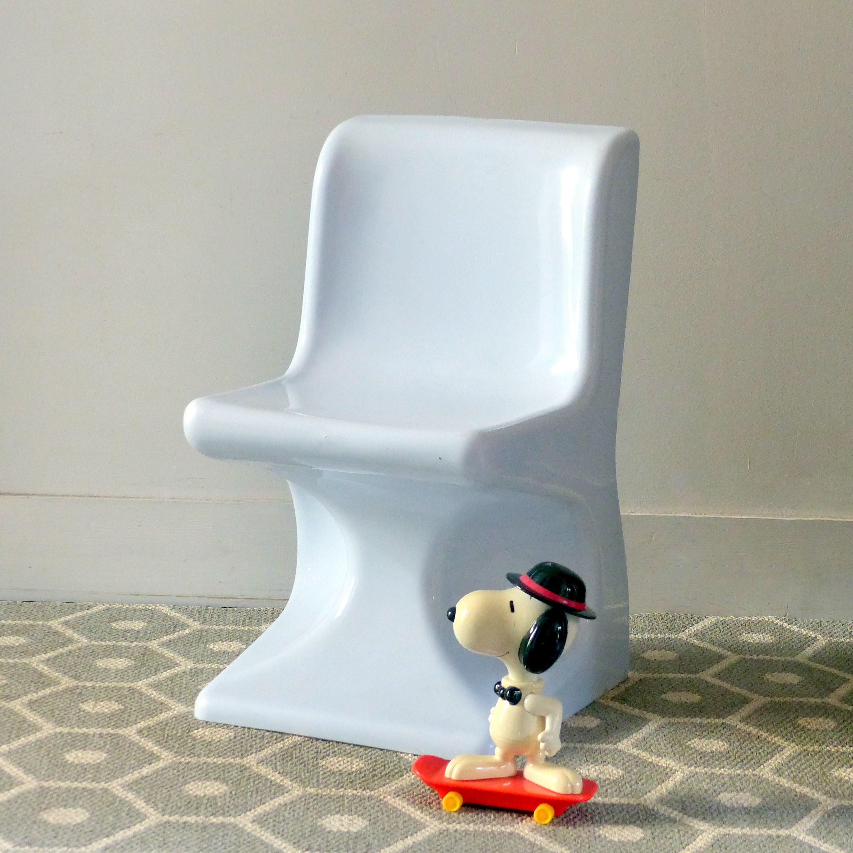 chaise en plastique moul selap lignedebrocante brocante en ligne chine pour vous meubles. Black Bedroom Furniture Sets. Home Design Ideas