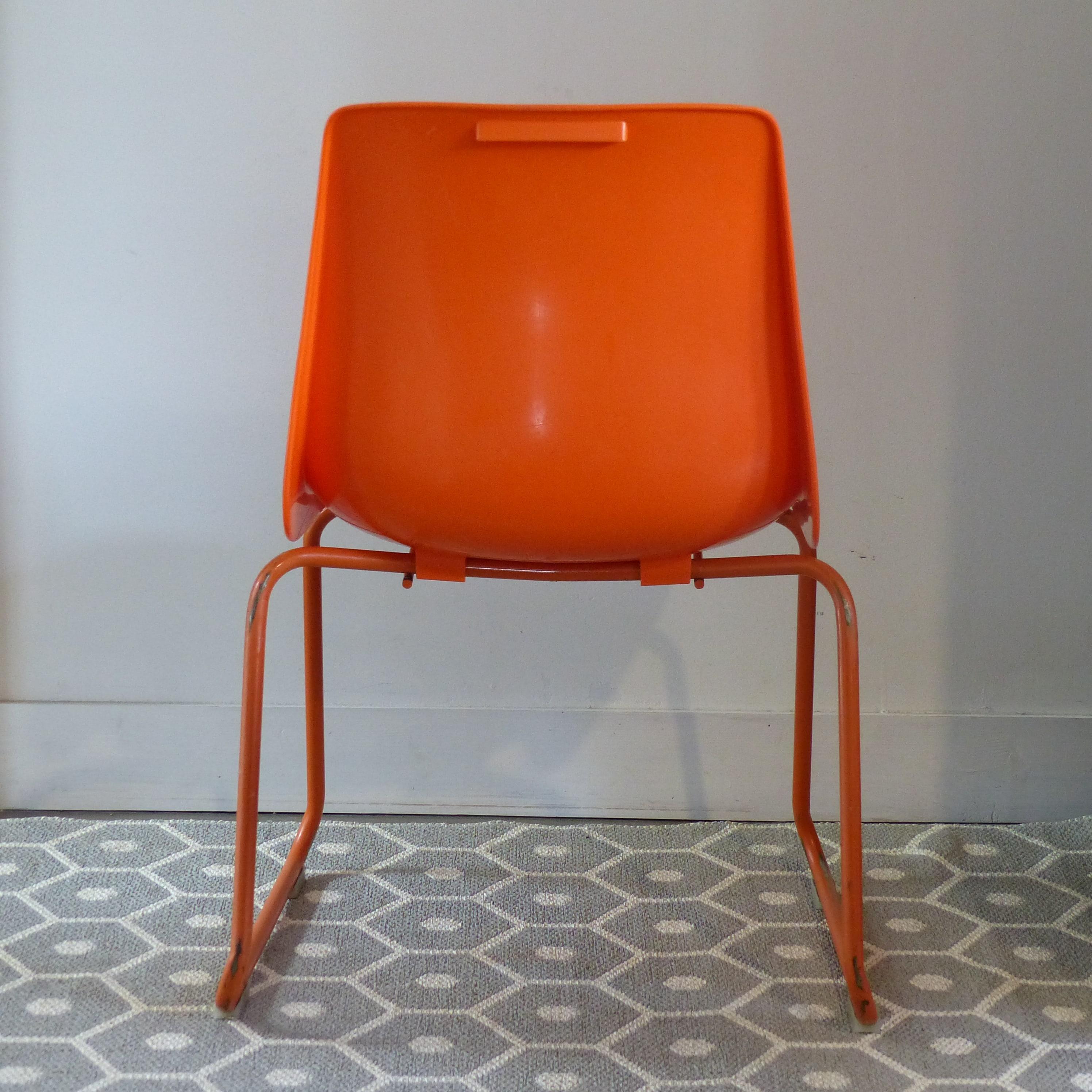 Chaise pour enfant en plastique moul orange grosfillex - Peinture pour chaise plastique ...