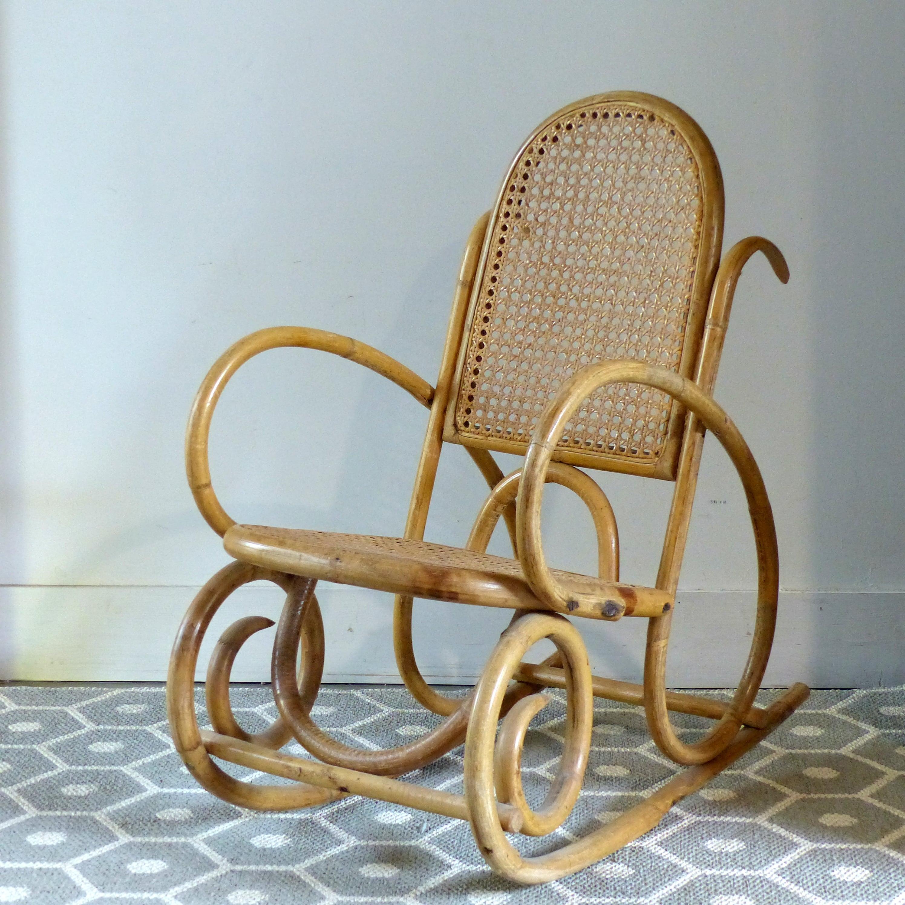 rocking chair pour enfant cann lignedebrocante brocante en ligne chine pour vous meubles. Black Bedroom Furniture Sets. Home Design Ideas