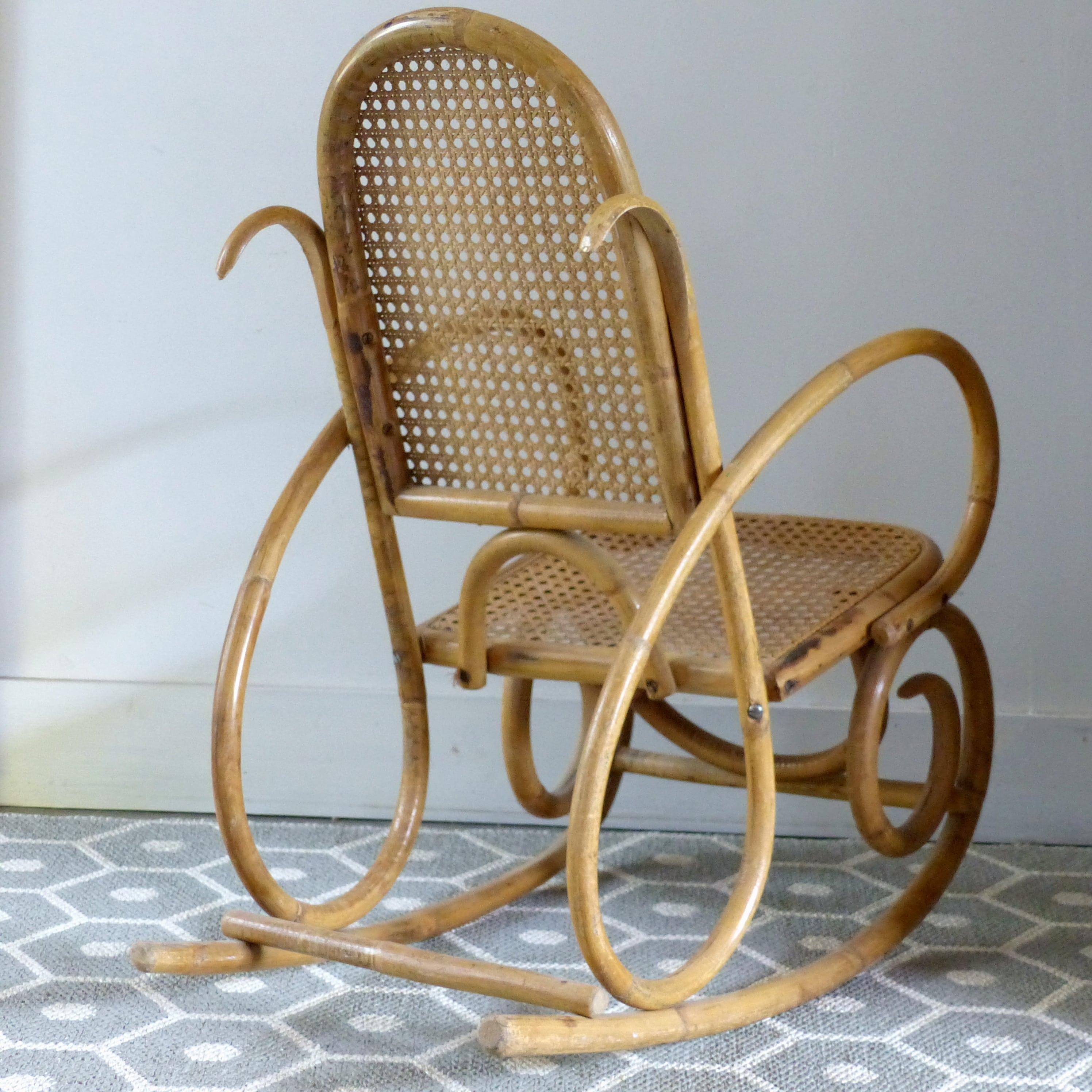 rocking chair pour enfant cann lignedebrocante brocante. Black Bedroom Furniture Sets. Home Design Ideas