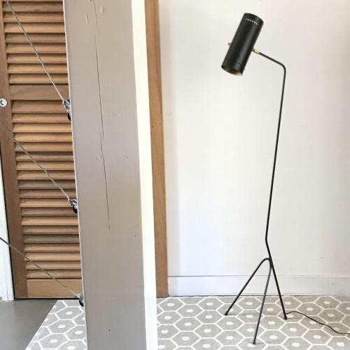 Petit lampadaire tripode