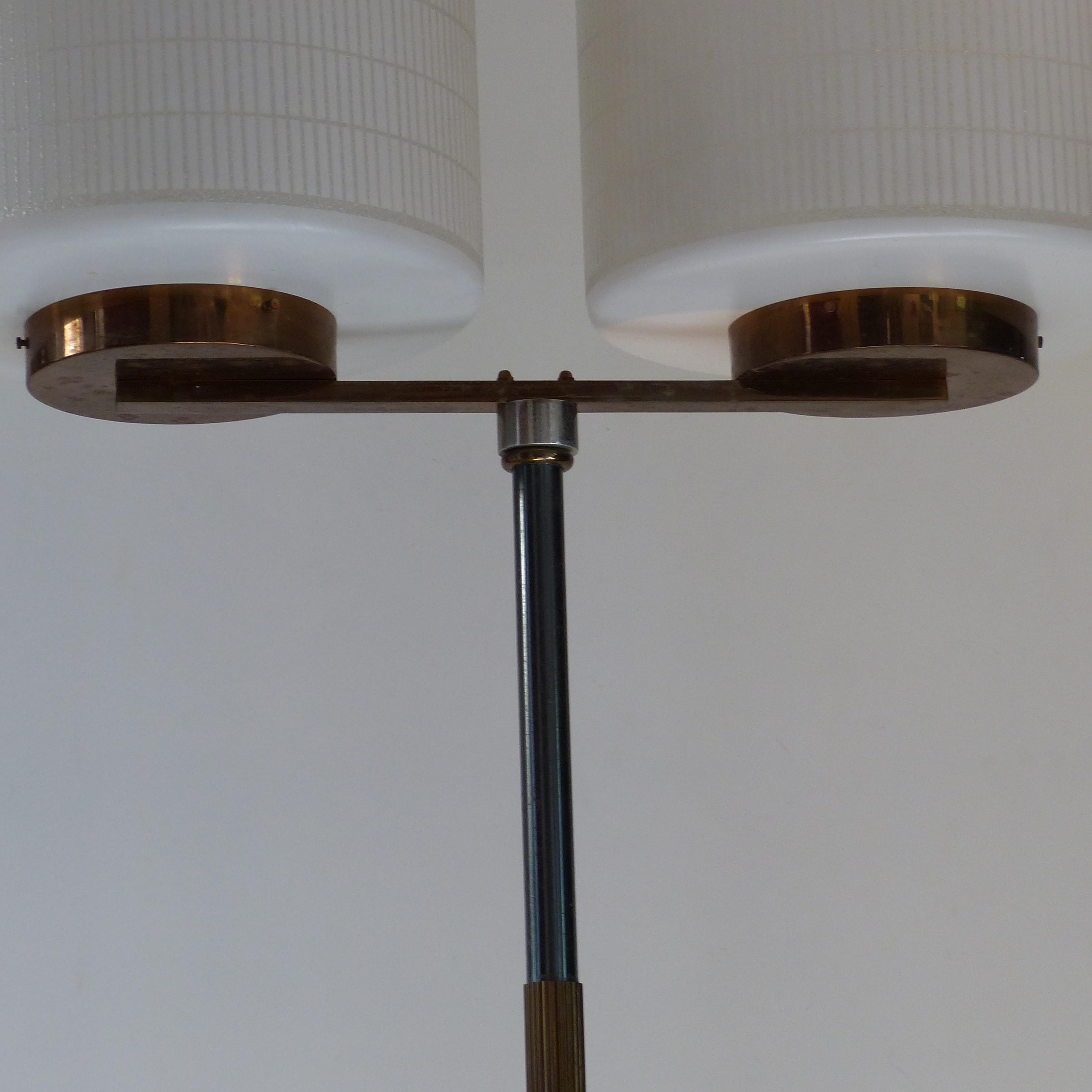 lampadaire vintage lignedebrocante brocante en ligne chine pour vous meubles vintage et. Black Bedroom Furniture Sets. Home Design Ideas