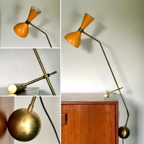 Lampe de table diabolo à contrepoids