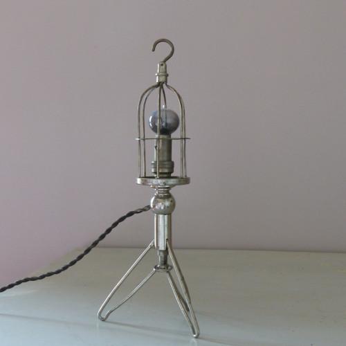Ancienne lampe baladeuse de voiture