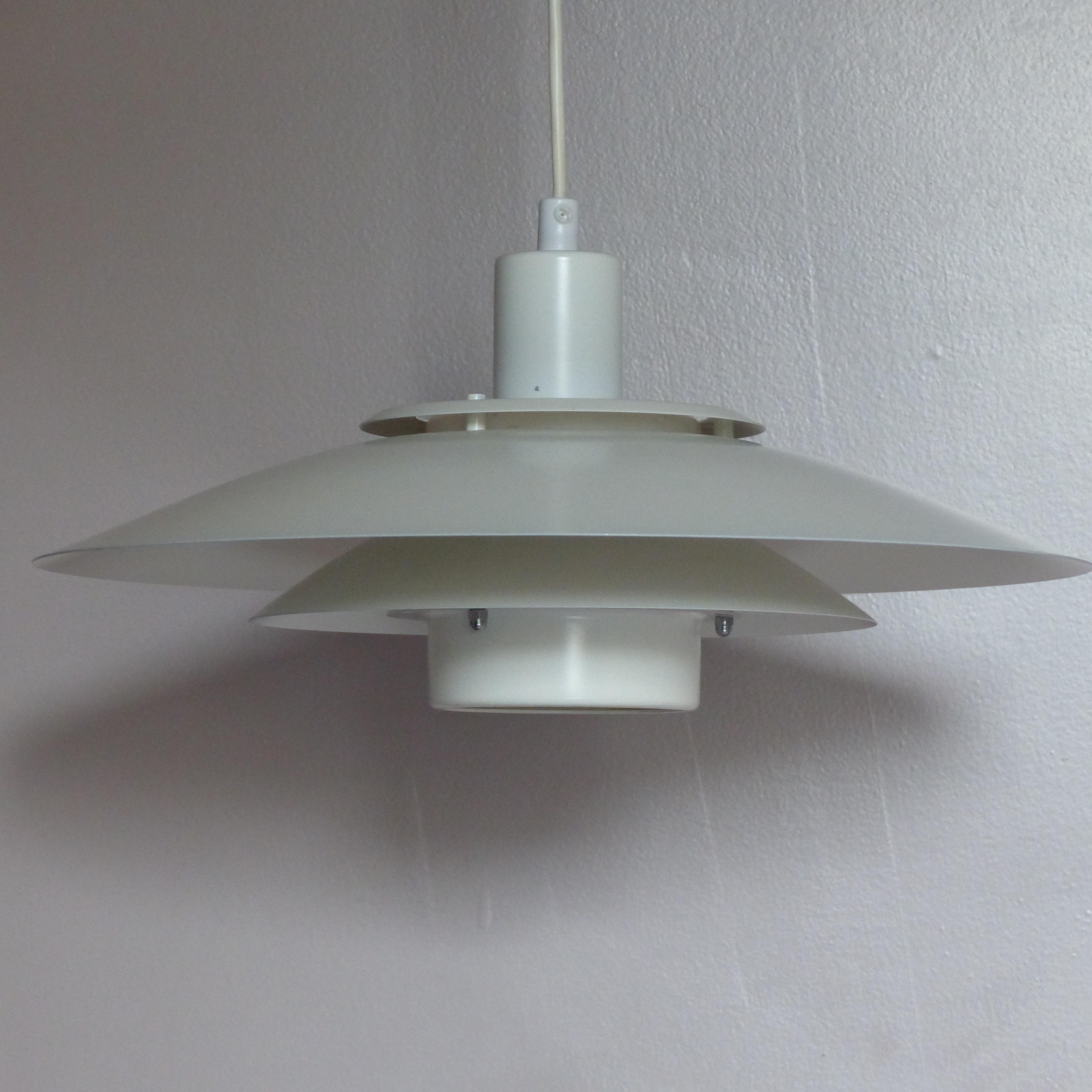 suspension scandinave vintage lignedebrocante brocante en ligne chine pour vous meubles. Black Bedroom Furniture Sets. Home Design Ideas