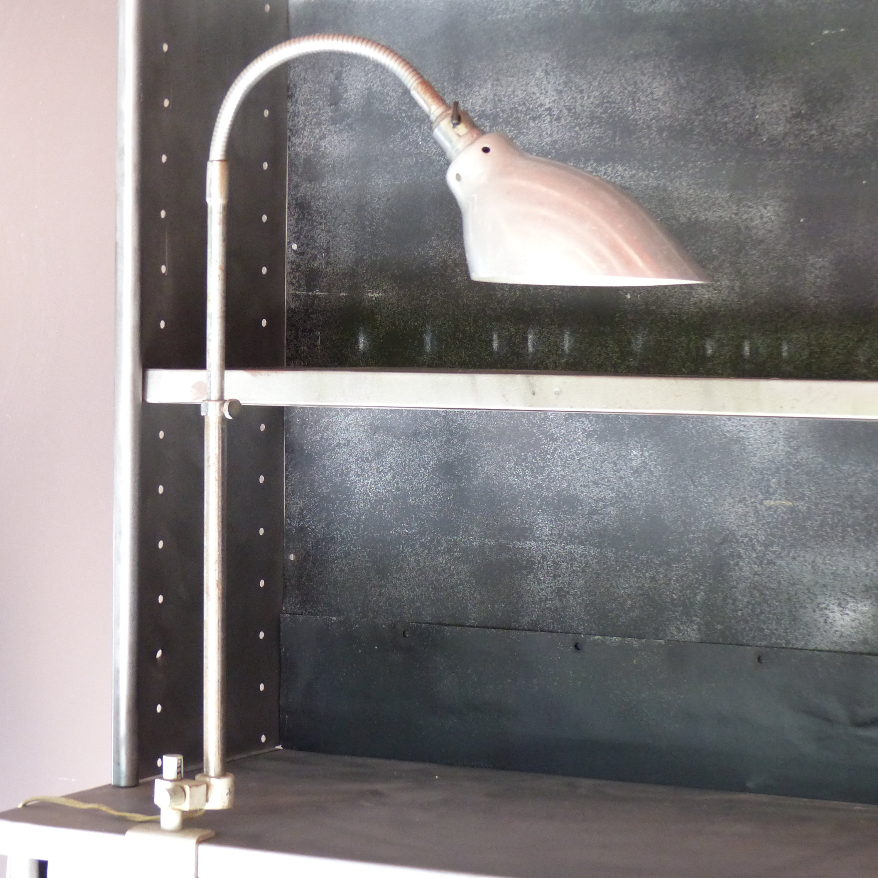 lampe d 39 atelier vintage articul e ki e klair lignedebrocante brocante en ligne chine pour vous. Black Bedroom Furniture Sets. Home Design Ideas