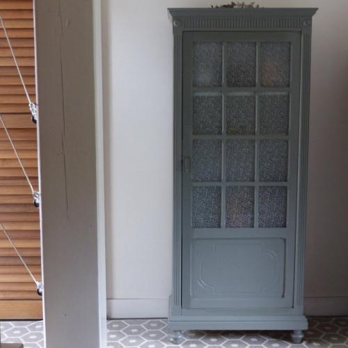 Ancienne petite armoire vitrée
