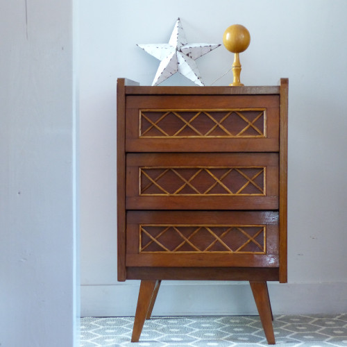 petite commode vintage avec croisillons en rotin lignedebrocante brocante en ligne chine pour. Black Bedroom Furniture Sets. Home Design Ideas