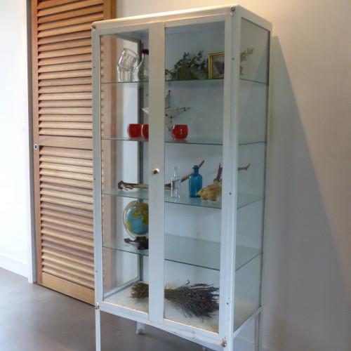 vitrine m dicale des ann es 50 lignedebrocante brocante en ligne chine pour vous meubles. Black Bedroom Furniture Sets. Home Design Ideas
