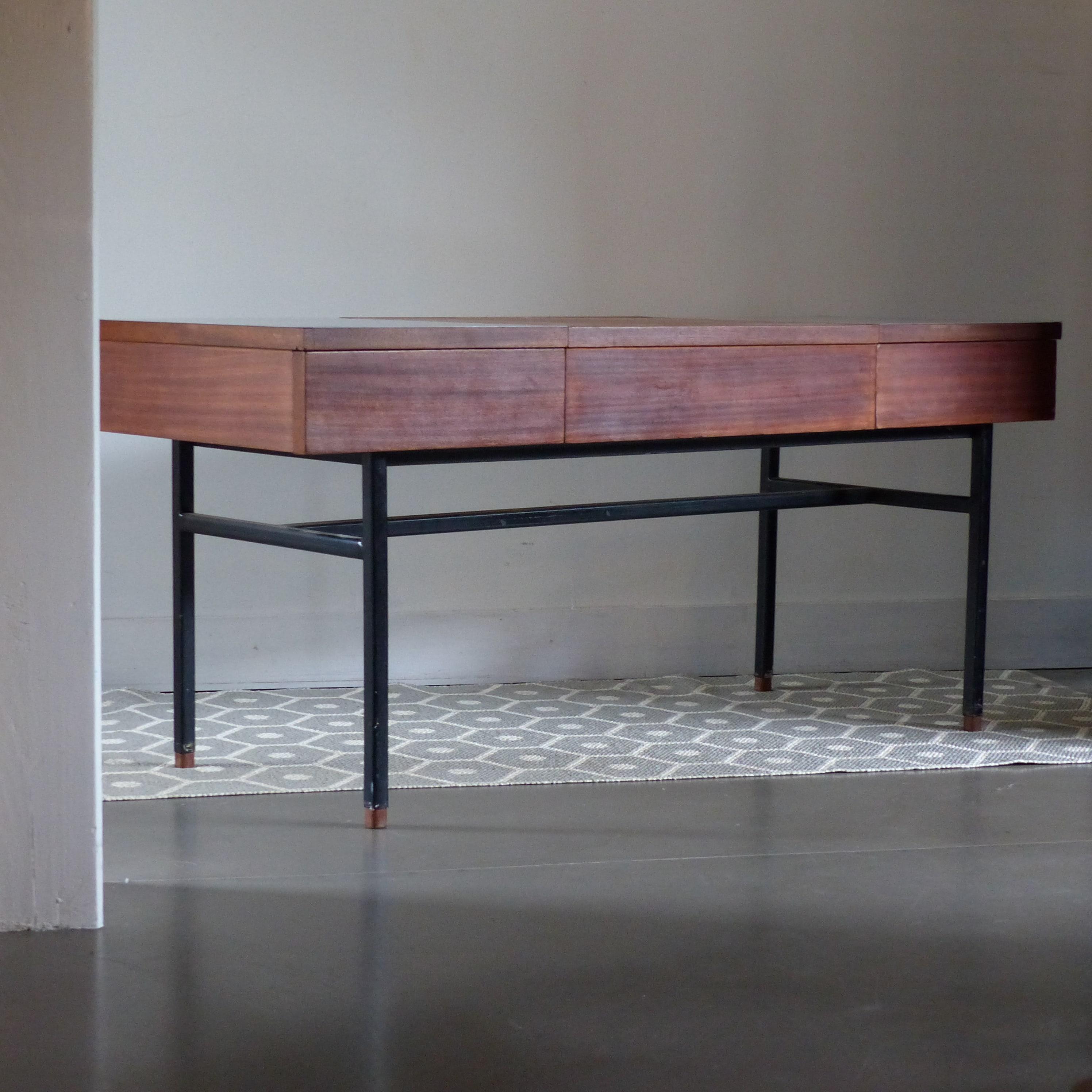 coiffeuse enfilade d 39 alain richard lignedebrocante brocante en ligne chine pour vous meubles. Black Bedroom Furniture Sets. Home Design Ideas