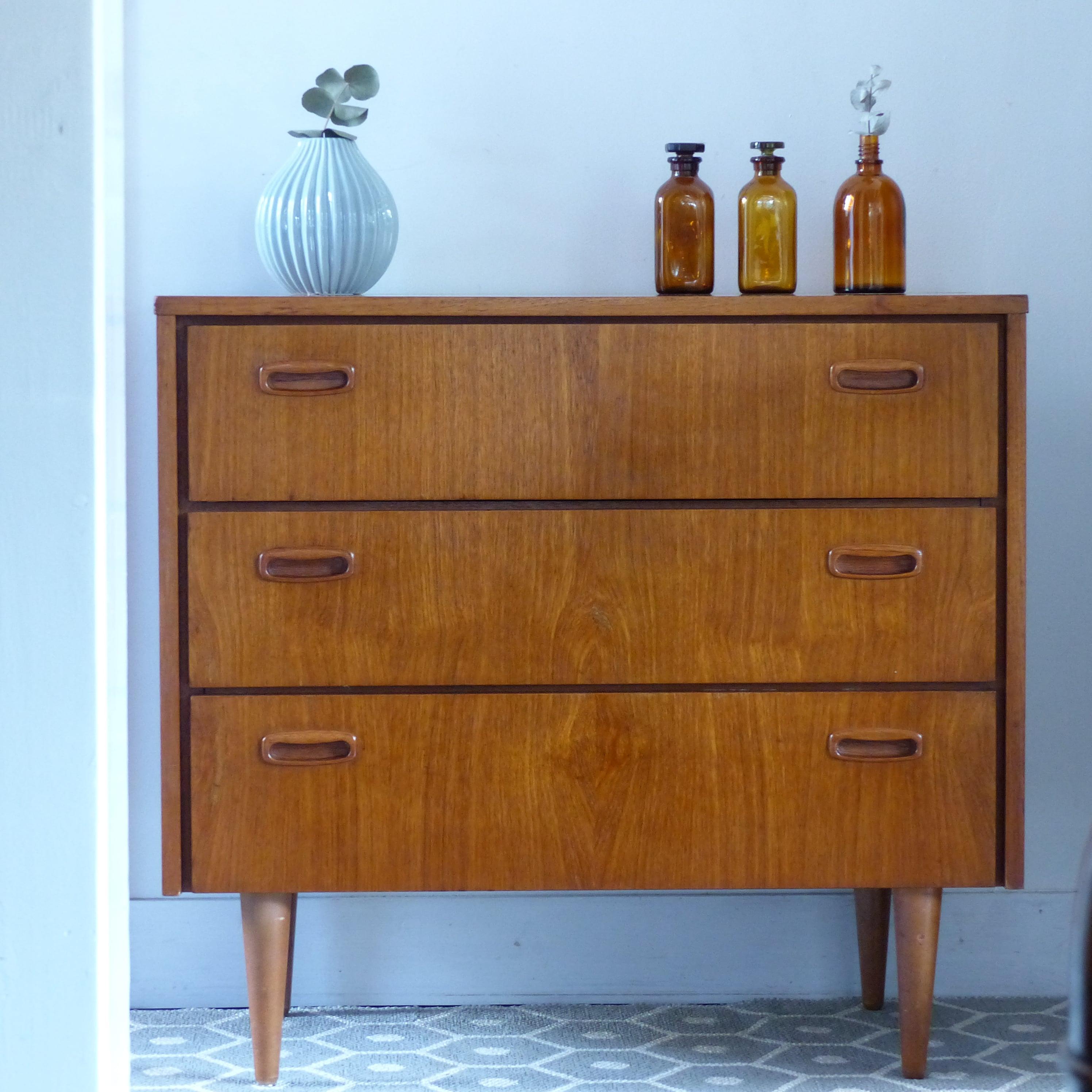 commode scandinave vintage lignedebrocante brocante en ligne chine pour vous meubles vintage. Black Bedroom Furniture Sets. Home Design Ideas