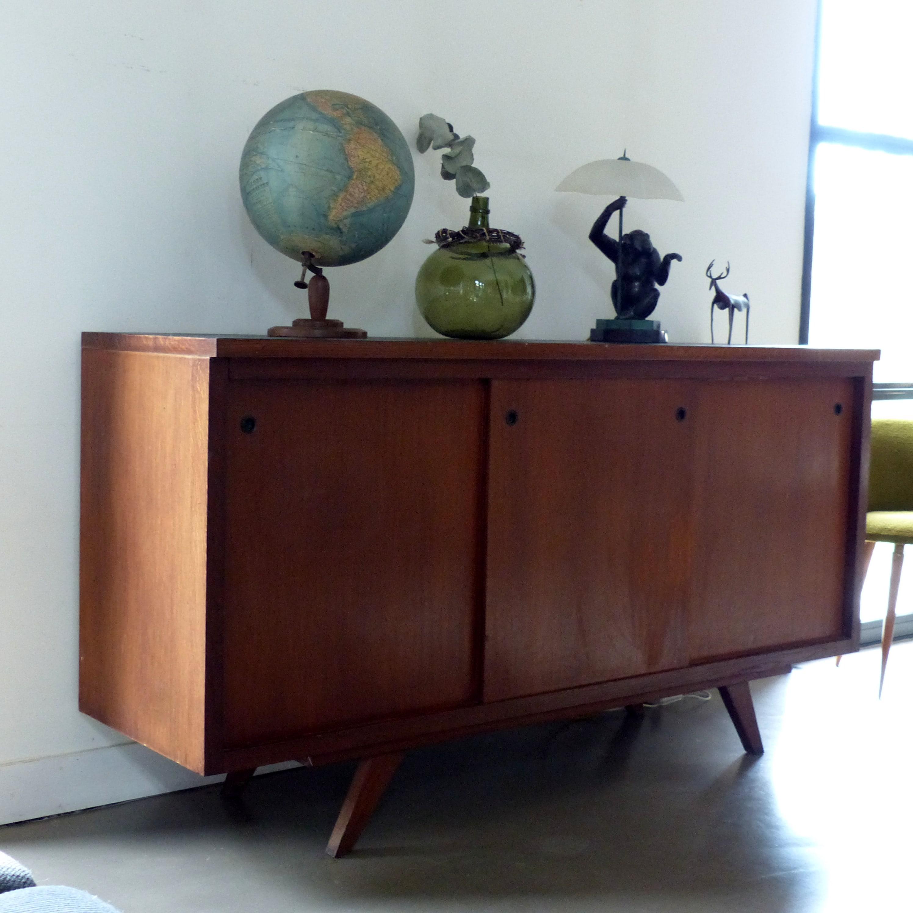 enfilade des ann es 50 lignedebrocante brocante en ligne chine pour vous meubles vintage et. Black Bedroom Furniture Sets. Home Design Ideas