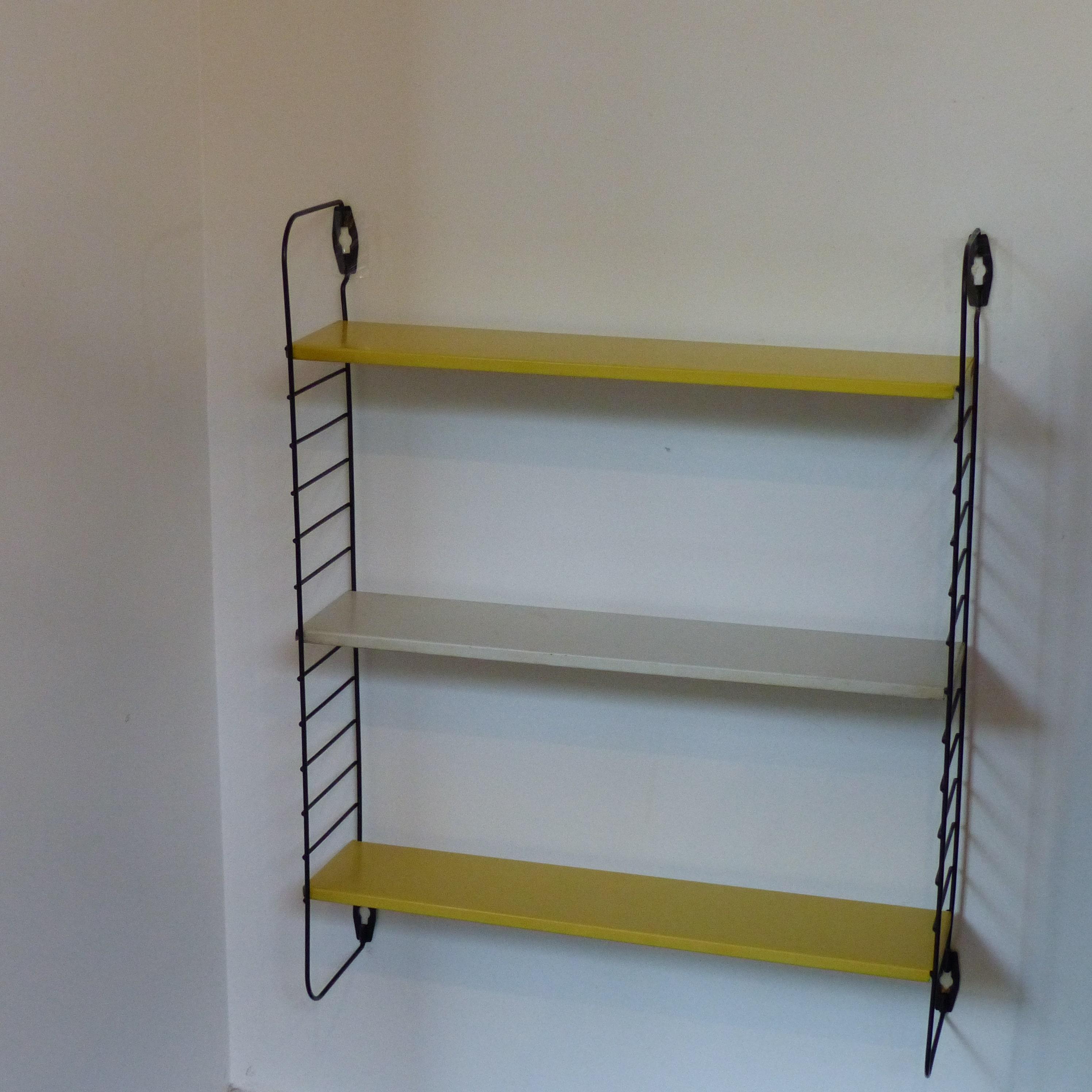 etag re string tomado lignedebrocante brocante en ligne. Black Bedroom Furniture Sets. Home Design Ideas