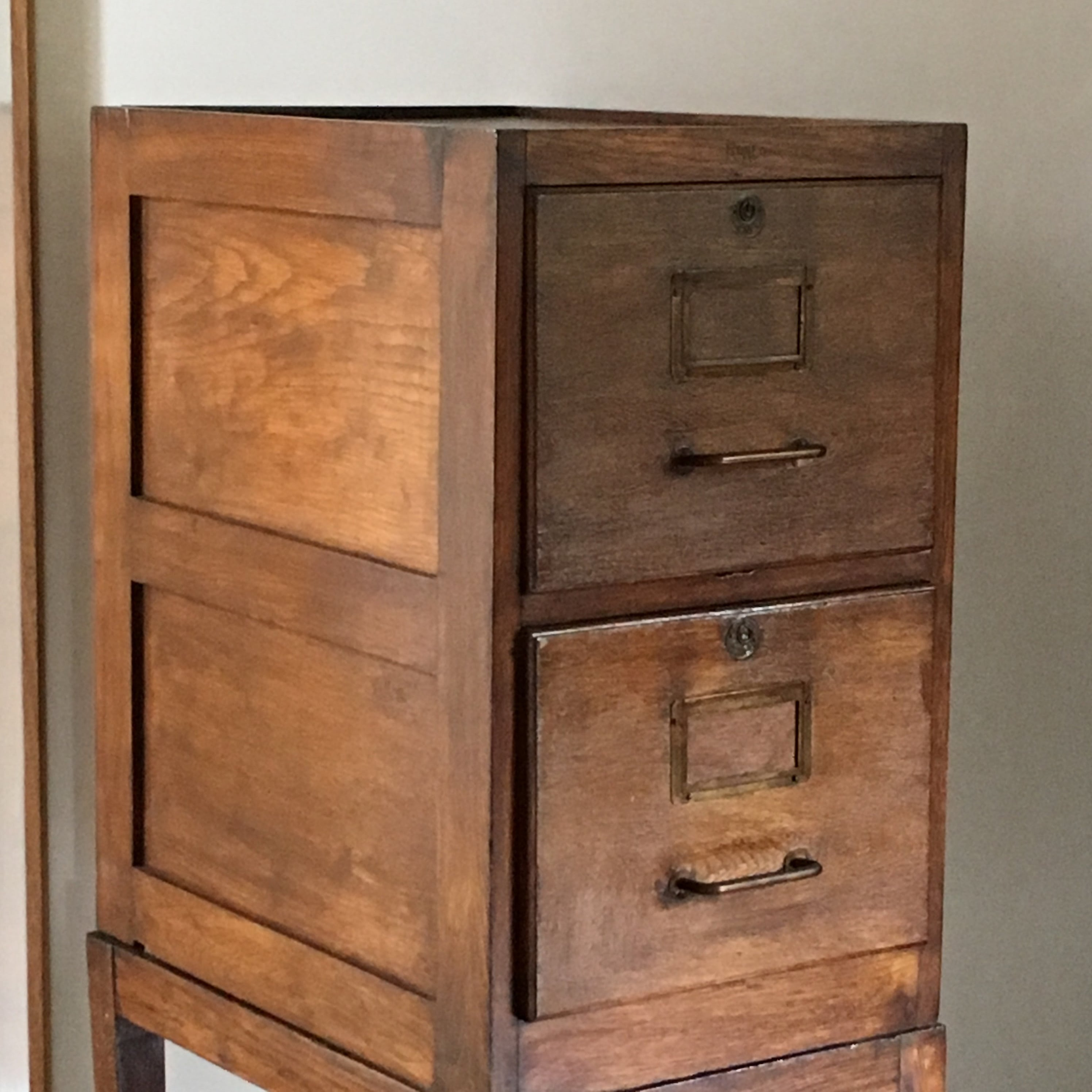 casier roneo en bois lignedebrocante brocante en ligne chine pour vous meubles vintage et. Black Bedroom Furniture Sets. Home Design Ideas