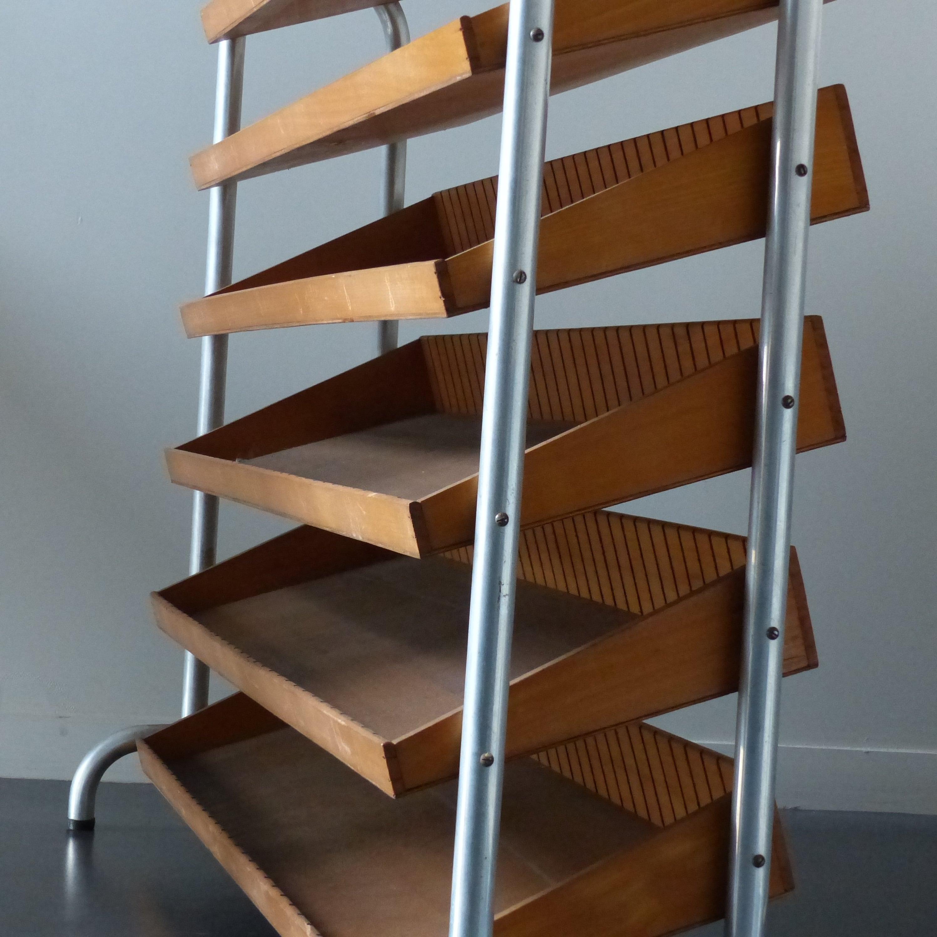 meuble pr sentoir de mercerie clayettes en bois lignedebrocante brocante en ligne chine pour. Black Bedroom Furniture Sets. Home Design Ideas