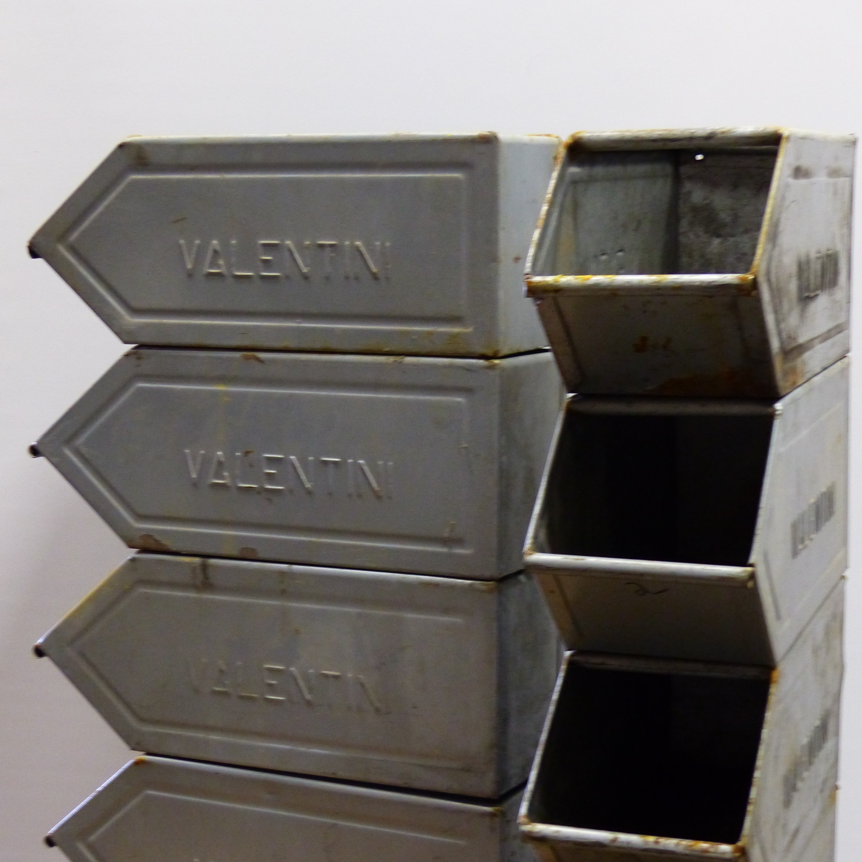 Casier à bec en métal VALENTINI petit modèle lignedebrocante brocante en ligne chine pour