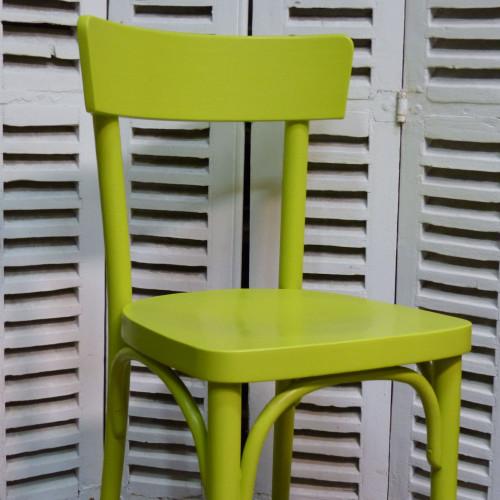 Chaise THONET colorée