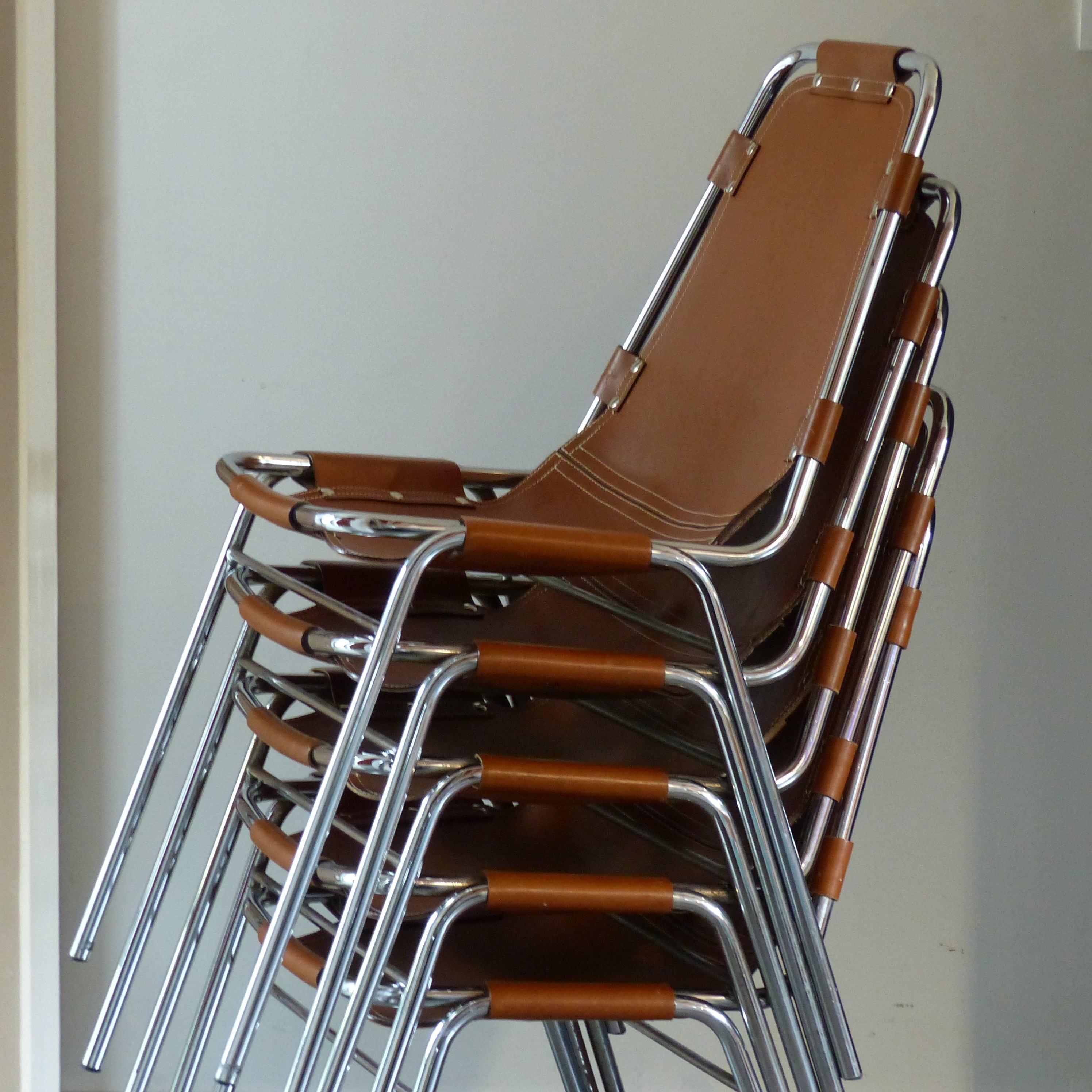 chaise les arcs charlotte perriand 4 dispo lignedebrocante brocante en ligne chine pour. Black Bedroom Furniture Sets. Home Design Ideas