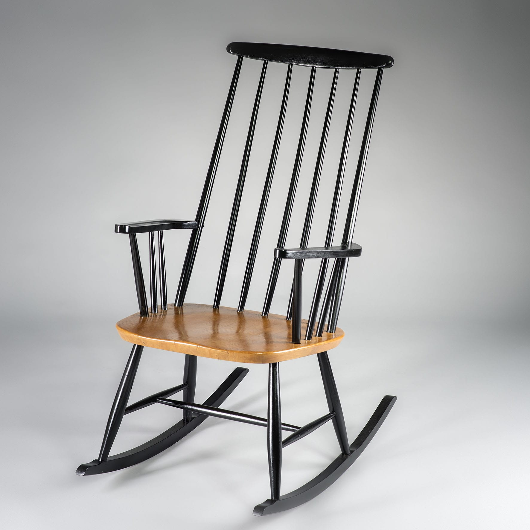 rocking chair ilmari tapiovaara rocker lignedebrocante brocante en ligne chine pour vous. Black Bedroom Furniture Sets. Home Design Ideas