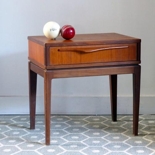 Table de chevet vintage en teck