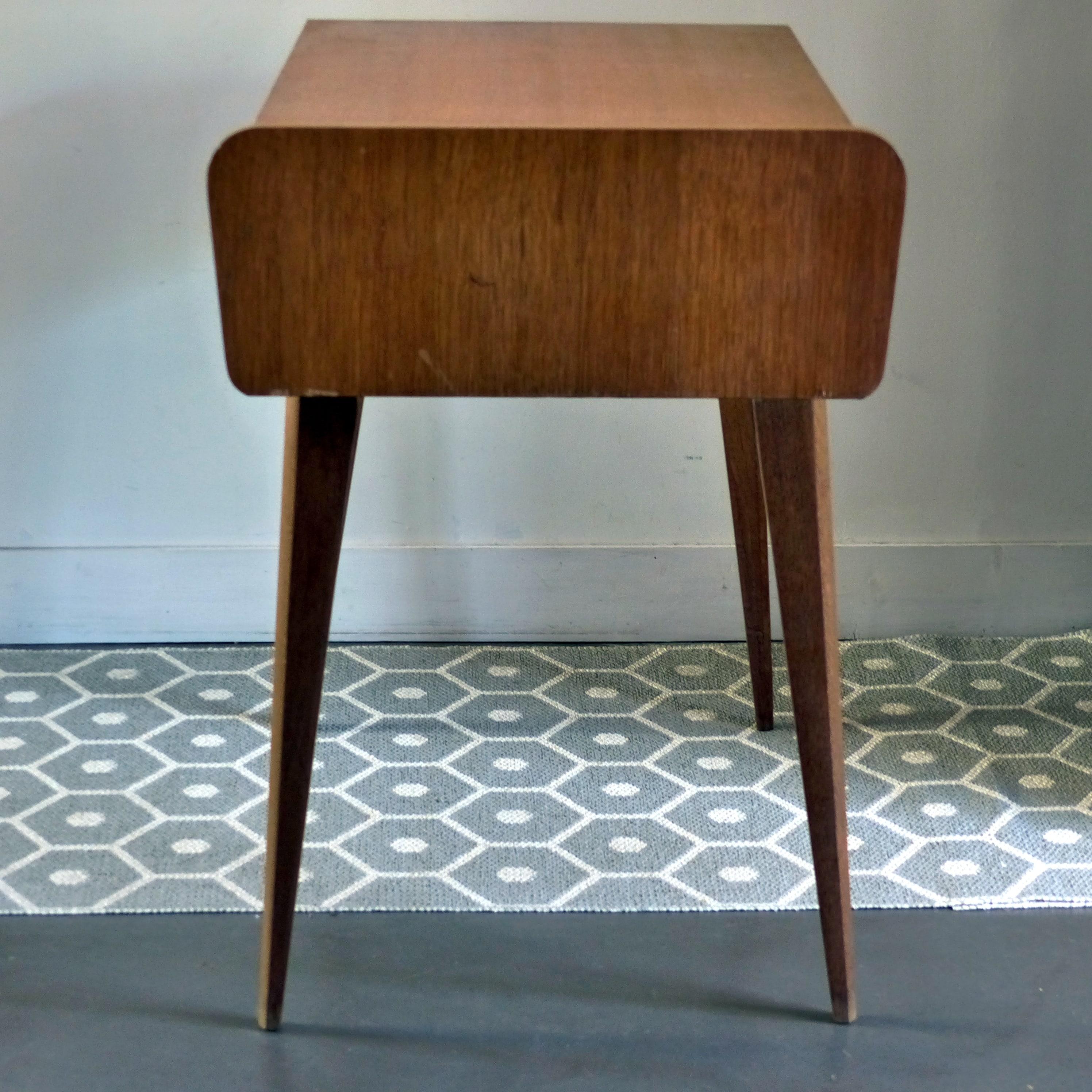 bureau vintage en bois avec pieds compas lignedebrocante brocante en ligne chine pour vous. Black Bedroom Furniture Sets. Home Design Ideas