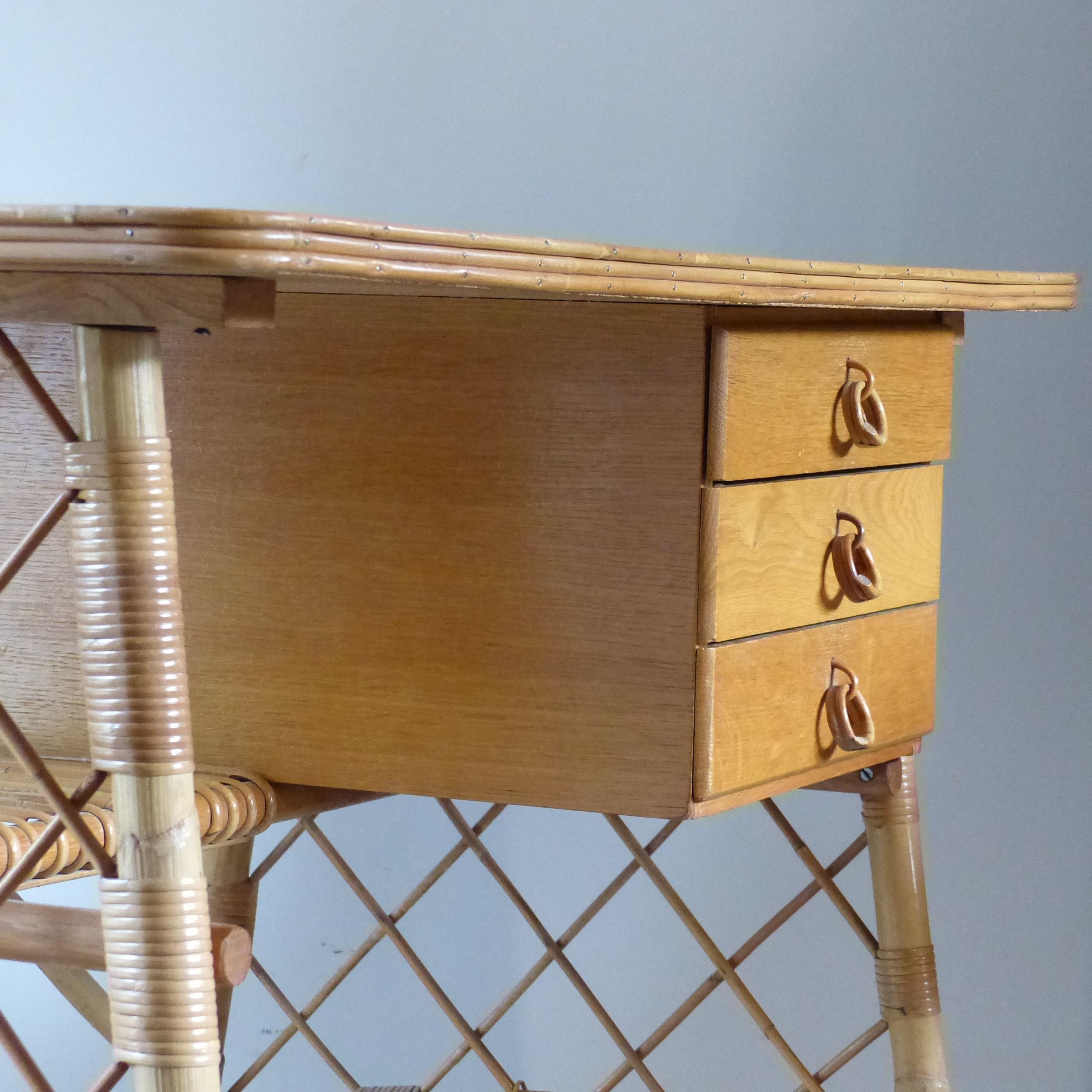 bureau en rotin louis sognot lignedebrocante brocante en ligne chine pour vous meubles. Black Bedroom Furniture Sets. Home Design Ideas