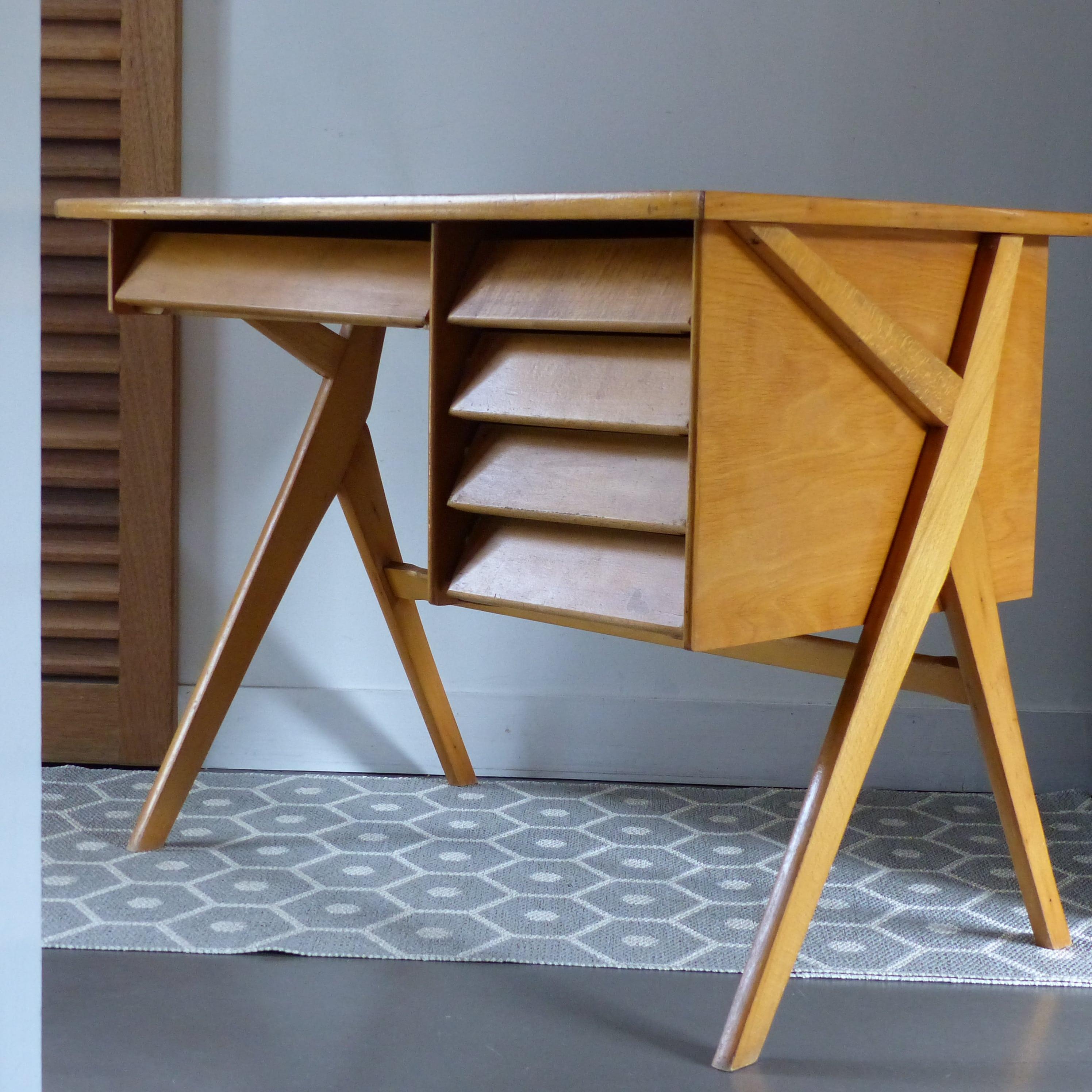 bureau r tro pieds compas lignedebrocante brocante en ligne chine pour vous meubles. Black Bedroom Furniture Sets. Home Design Ideas